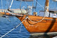 Pretty sailboat.