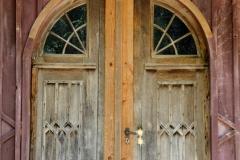 Cool barn door.