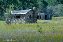 Old homestead on the rutted dirt road to the ranch.